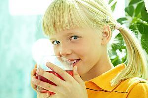 bei Hitze müssen Kinder viel trinken