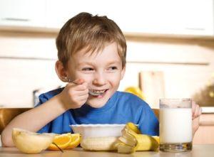 Warum ist das Frühstück vor der Schule wichtig?